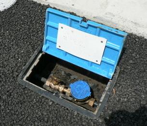 水道メーターとBOX